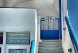 12 A house entrance in Fira_DSC8122