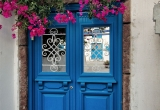92 Blue door and bougainvillea DSC_0567